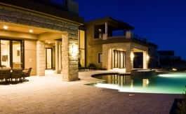 http://www.luxuryhomesoflasvegas.com/WP/wp-content/uploads/2015/07/las-vegas-estate-home-35-skybird-court-01.jpg