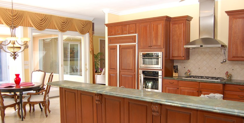 Ten-Oaks-home-7408-Oak-Grove