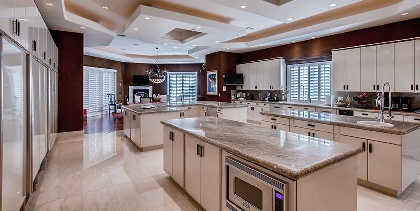 Canyon Gate Home for Sale, 8625 Lakeridge Cir