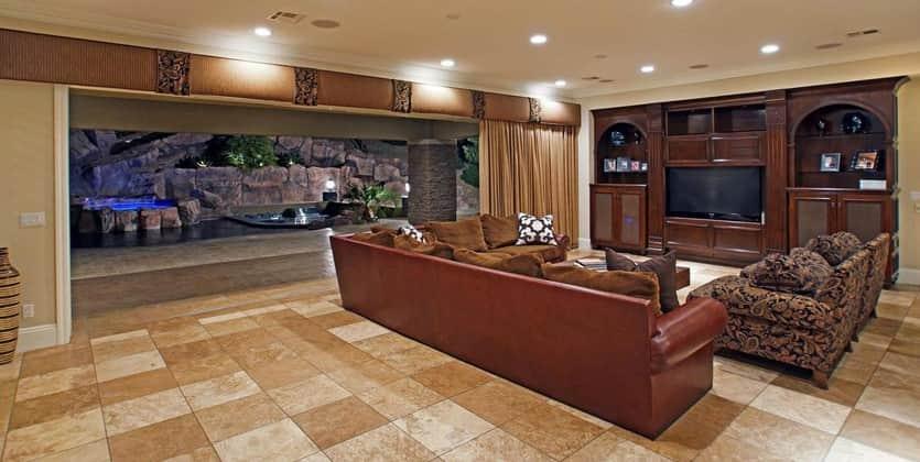 Luxury Homes in the Ridges