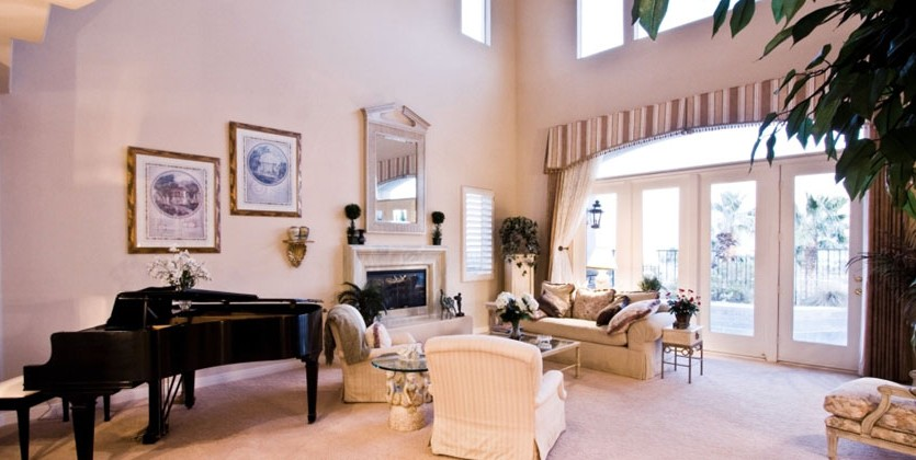 las-vegas-estate-home-2970-red-arrow