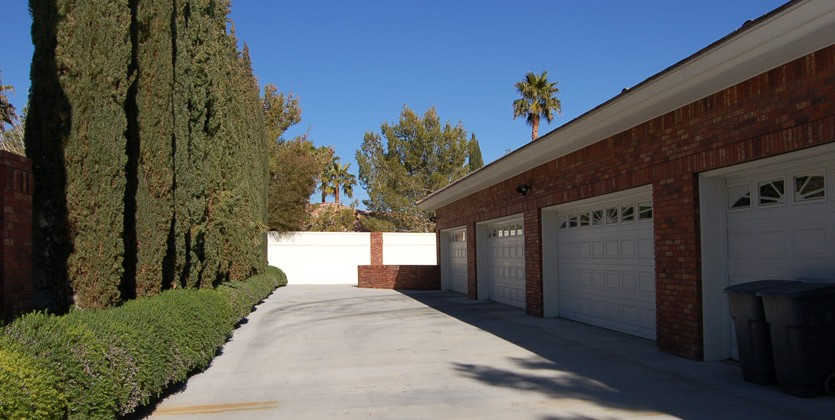 las-vegas-estate-home-8612-canyon-view-01