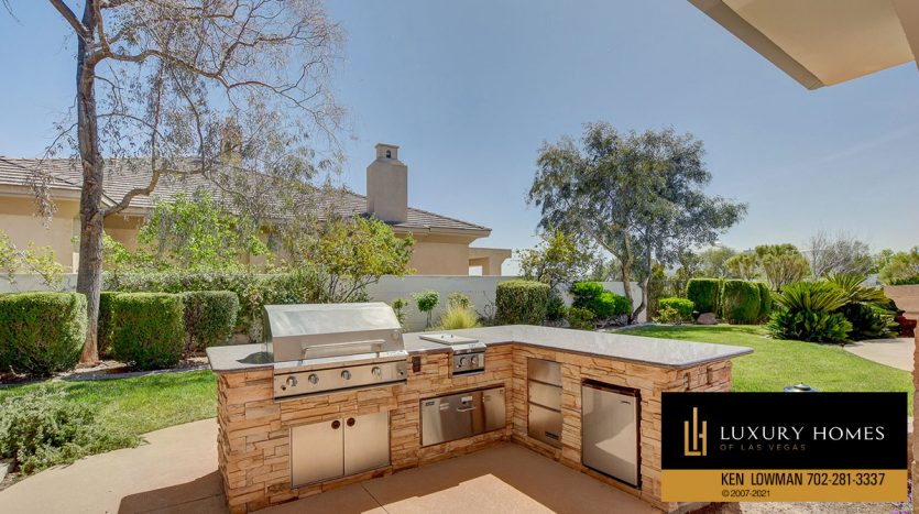 BBQ facility at Las Vegas Estate Home for Sale, 9605 Verlaine Court