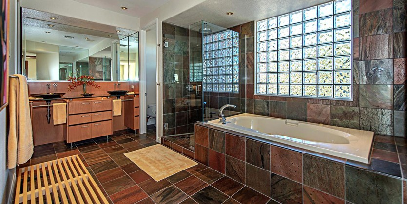 Canyon-Gate-Country-Club-home-1920-Bay-Hill-Dr