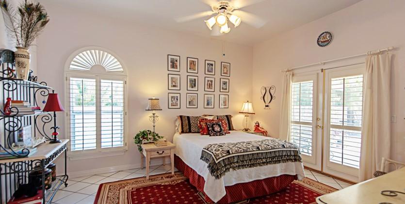 Ten-Oaks-home-7421-Doe-Av