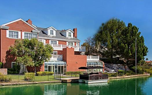 the-lakes-estates-home-2913-coast-line-ct