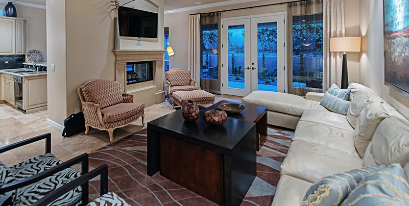 Country Club Hills Home for Sale, 9105 Crystal Lake