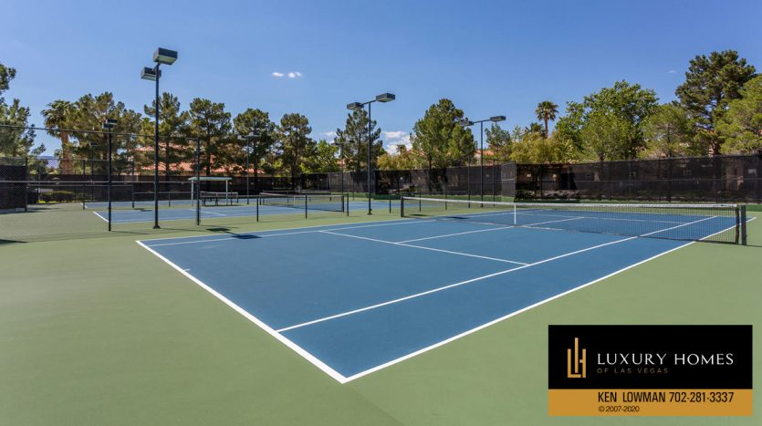 Tennis court, Spanish Trail Country Club Home for Sale, 76 Innisbrook