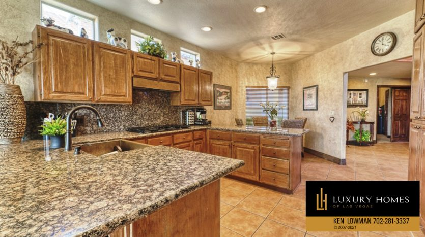 kitchen at Canyon Gate Home for Sale, 8941 Diamond Falls Dr