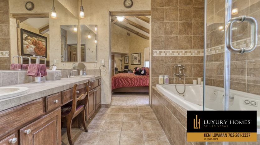 shower at Canyon Gate Home for Sale, 8941 Diamond Falls Dr