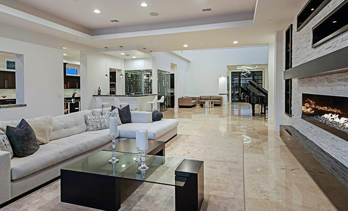 Ken Lowman sales expert, luxury Homes of Las Vegas