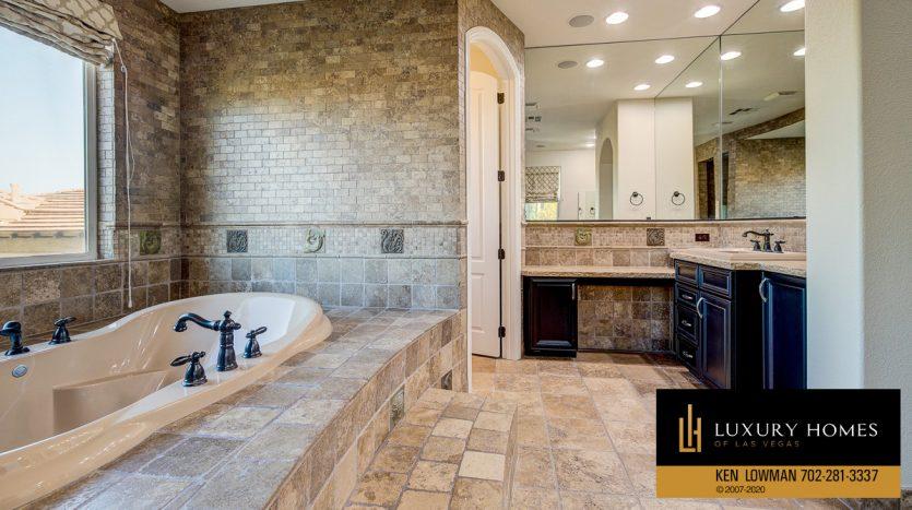 Bath at Summerlin - Barrington Home for Sale, 11554 Trevi Fountain Ave