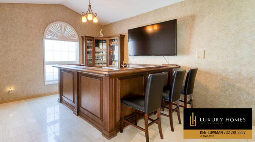 breakfast counter at Ten Oaks Home for Sale, 1501 Golden Oak Dr
