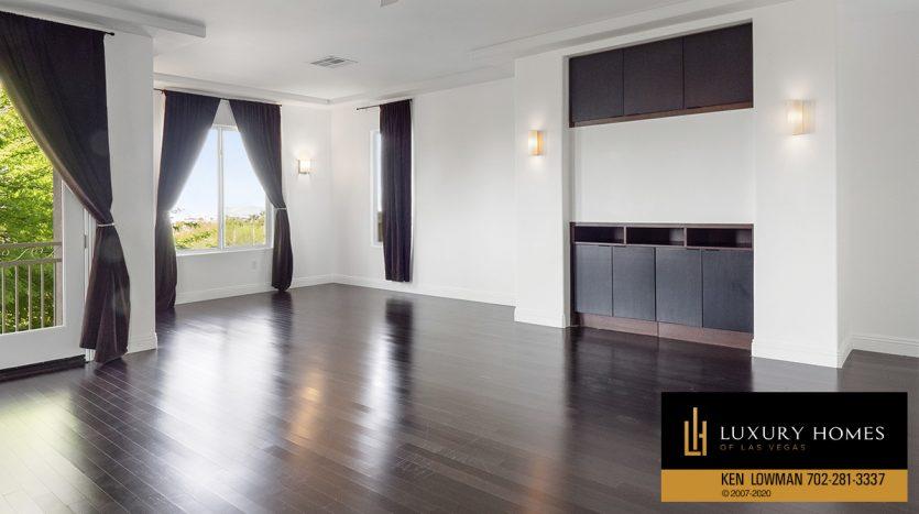 large living spaces at 2104 Orchard Mist St, Las Vegas, NV 89135