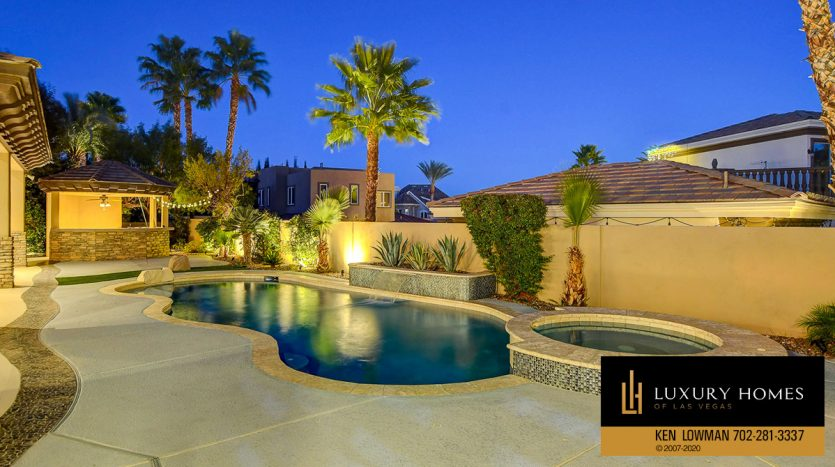 pool at Canyon Fairways Home for Sale, 500 Royalton Dr