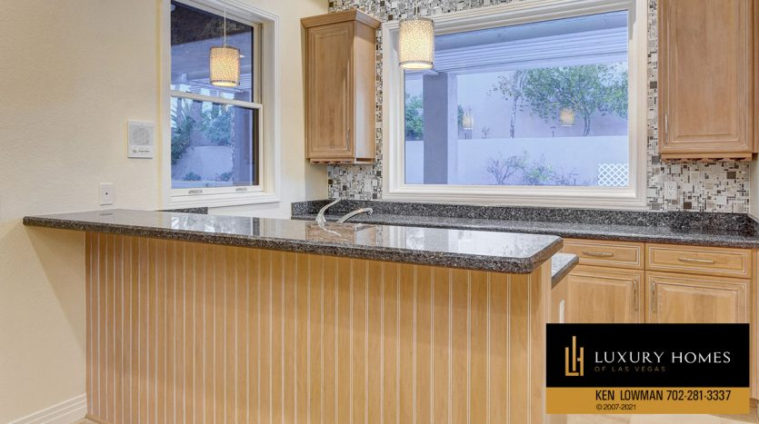 kitchen counter top at Canyon Fairways Home for Sale, 701 Canyon Greens Dr