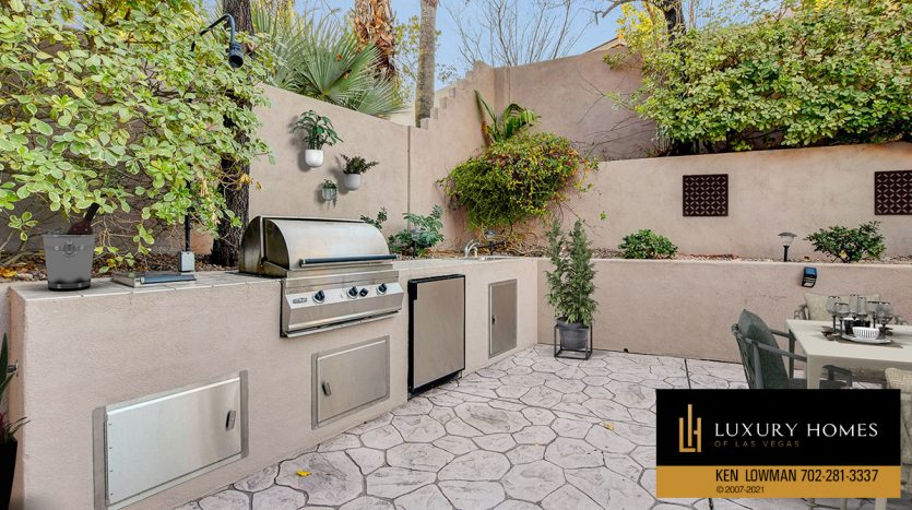 BBQ area at Canyon Fairways Home for Sale, 701 Canyon Greens Dr
