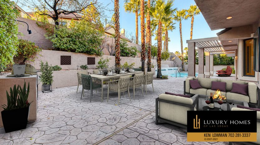 virtually staged BBQ area at Canyon Fairways Home for Sale, 701 Canyon Greens Dr