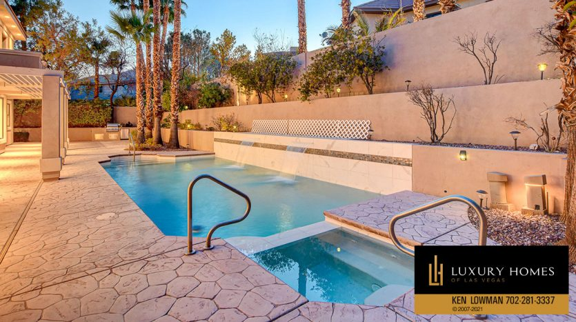 pool at Canyon Fairways Home for Sale, 701 Canyon Greens Dr