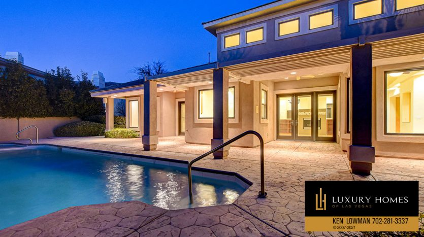 poolside at Canyon Fairways Home for Sale, 701 Canyon Greens Dr