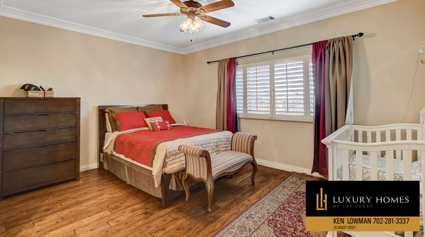 bedroom at Country Club Hills Home for Sale, 2053 Glenview Dr