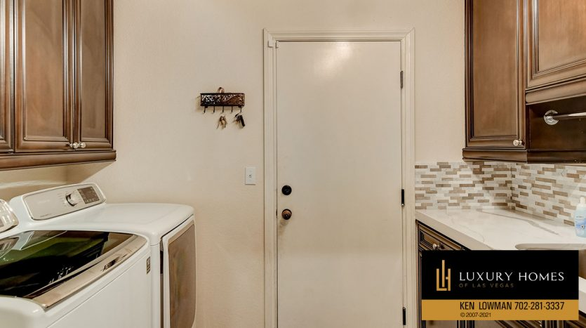 laundry at Country Club Hills Home for Sale, 2053 Glenview Dr