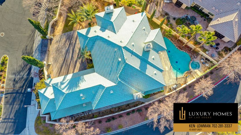 drone view of Country Club Hills Home for Sale, 2053 Glenview Dr