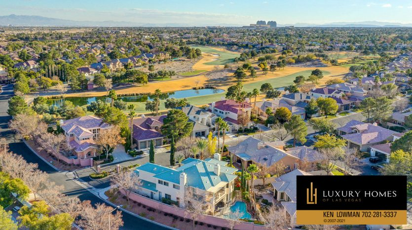 drone view of neighborhood of Country Club Hills Home for Sale, 2053 Glenview Dr
