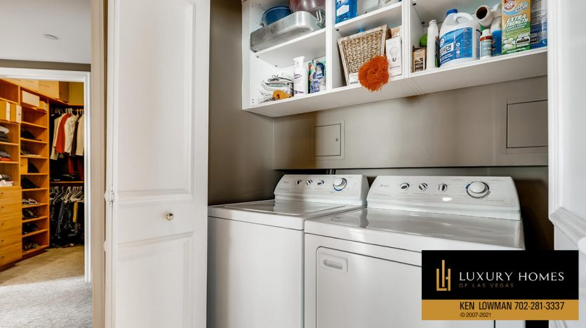 laundry facility at Turnberry Place Home for Sale, 2747 Paradise Rd #1606