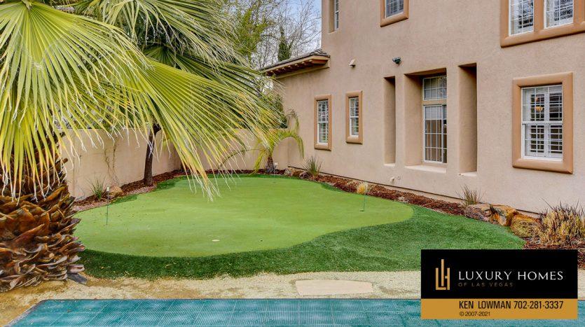 golf putting green at Canyon Fairways Home for Sale, 9509 Balatta Canyon Ct