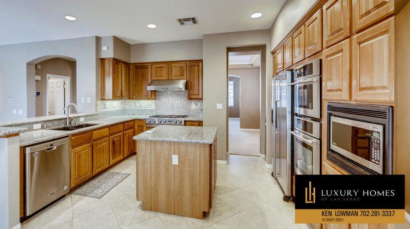 kitchen at Eagle Rock at Summerlin Home for Sale, 508 Proud Eagle, Las Vegas, NV 89144