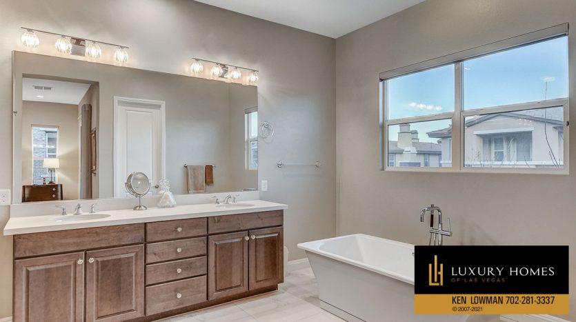bathroom at The Ridges Home for Sale, 11280 Granite Ridge #1059