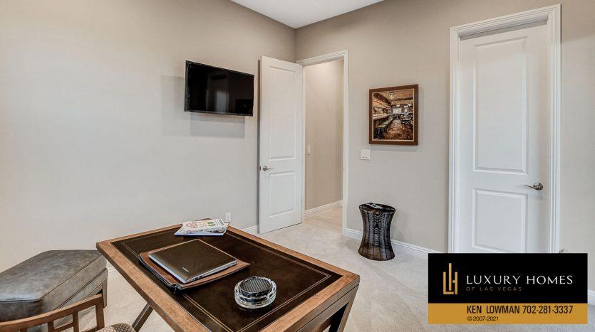 work space at The Ridges Home for Sale, 11280 Granite Ridge #1059