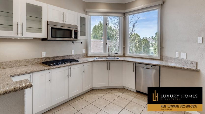 kitchen at Canyon Gate Country Club Home for Sale, 8912 Rainbow Ridge Dr