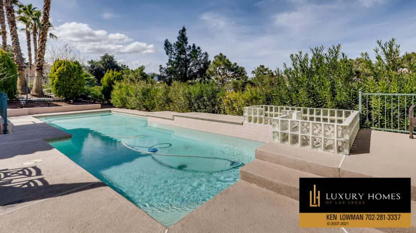 pool at Canyon Gate Country Club Home for Sale, 8912 Rainbow Ridge Dr