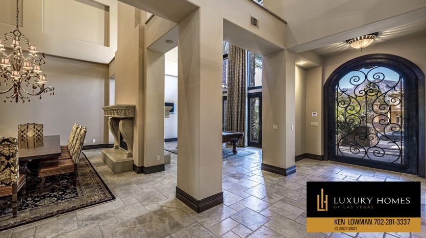 large living area at Mountain Trails at Summerlin Home for Sale, 2316 Pearl Crest St