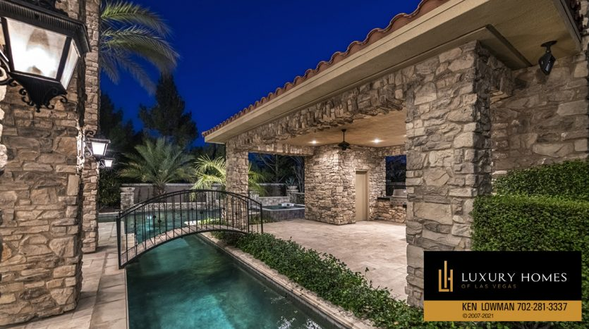 outdoor sitout at Mountain Trails at Summerlin Home for Sale, 2316 Pearl Crest St