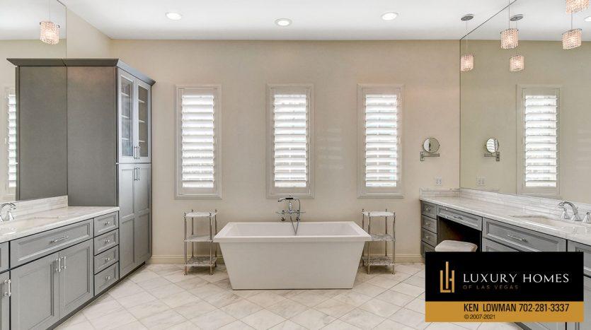 bath tub at Northwest Las Vegas Home for Sale, 5430 Serenity Brook Dr