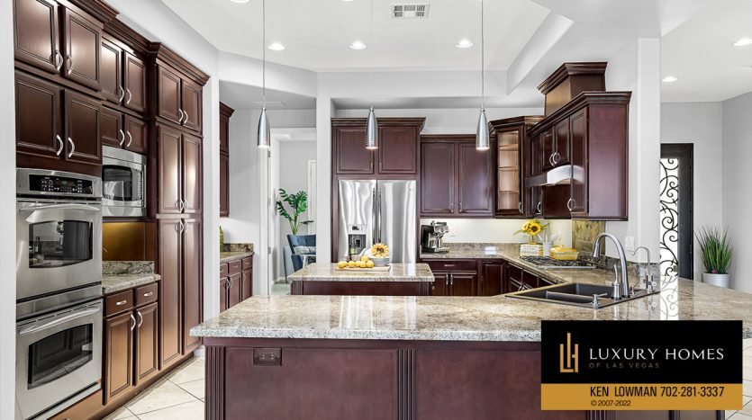 dining area at Red Rock Country Club Home for Sale, 2122 Country Cove Ct