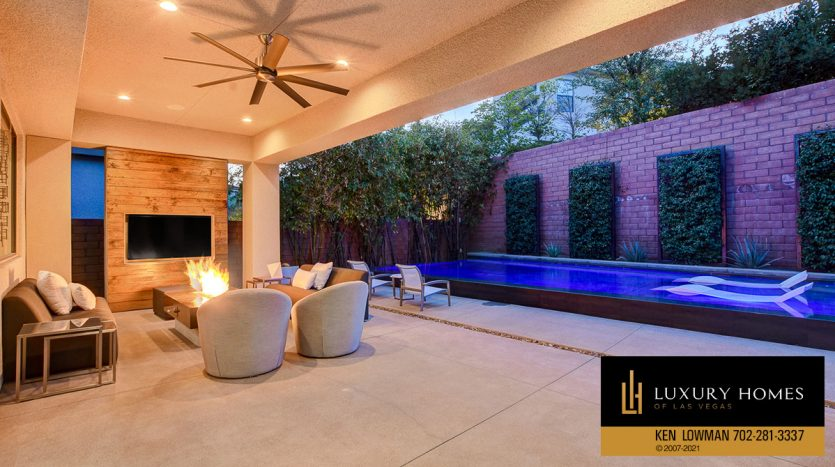 outdoor lounge area at The Ridges Home for Sale, 81 Pristine Glen St, Las Vegas, NV 89135