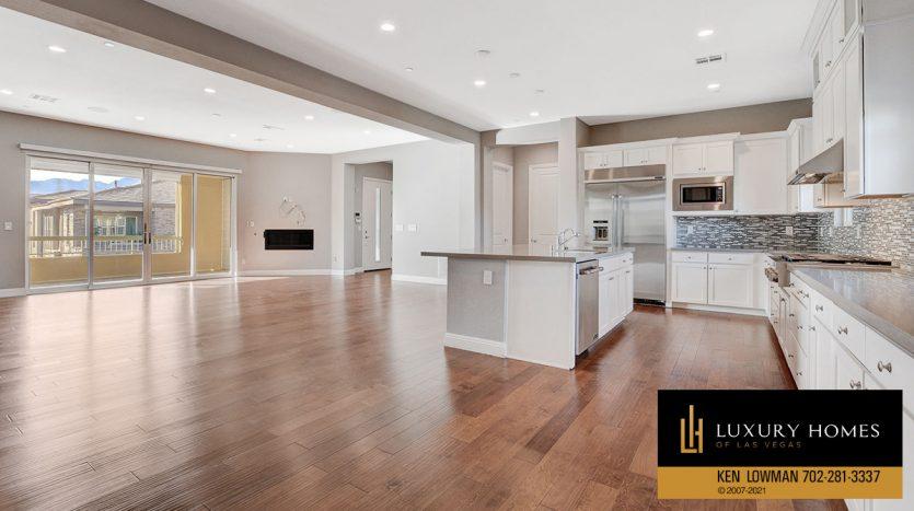 large kitchen at The Ridges Home for Sale, 11280 Granite Ridge #1097
