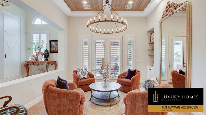 living room at Red Rock Country Club Home for Sale, 11606 Morning Grove Dr