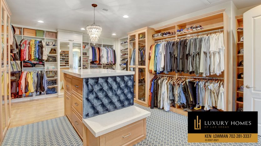 changing closets at Red Rock Country Club Home for Sale, 11606 Morning Grove Dr