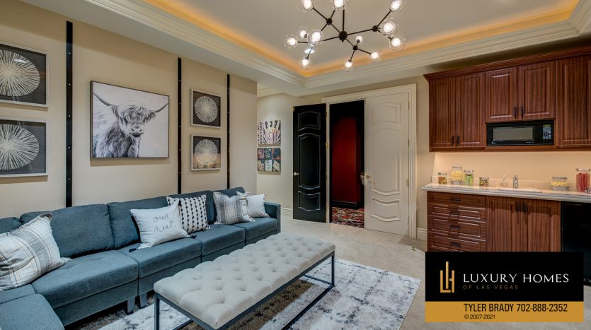 lounge area at The Ridges Home for Sale, 25 Promontory Ridge Dr, Las Vegas, NV 89135