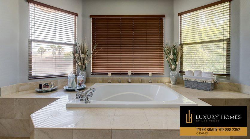 bath tub at Centennial Hills Home for Sale, 6883 Desert Island St, Las Vegas
