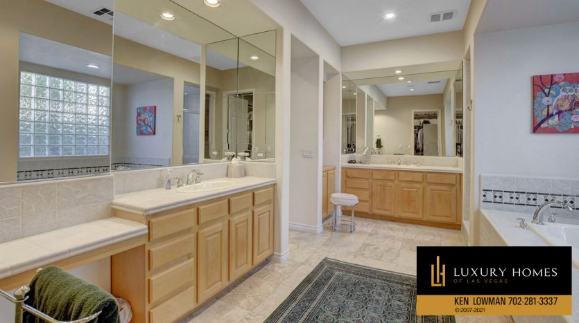bath at Red Rock Country Club Home for Sale, 11580 Evergreen Creek Ln, Las Vegas