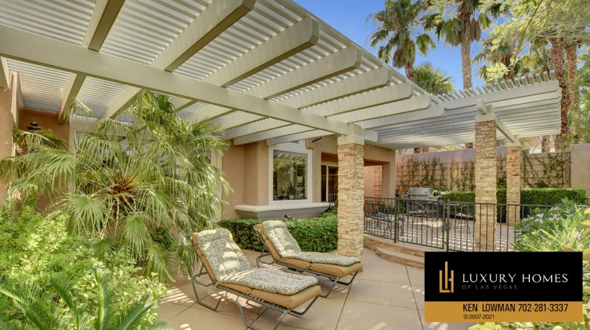 outdoor lounge area at Red Rock Country Club Home for Sale, 11580 Evergreen Creek Ln, Las Vegas