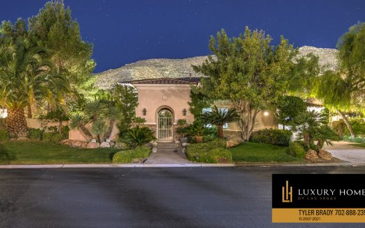 Red Rock Country Club home for sale, 2923 Red Arrow Dr, Las Vegas
